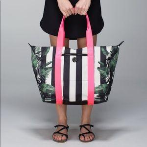 Rare Lululemon All Day Ansa Bag